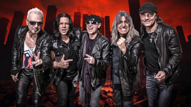 Scorpions2017bandwithmikkey 638